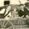Людмила Банишевская с отцом и тётей. 1.07.1956 год.