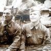 Герой Советского Союза Галин Михаил Петрович в блиндаже (слева)