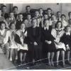 учительница музыки Бобковская Варвара Павловна со своим музыкальным классом