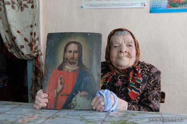 «Мама моя в кровь билась, когда из икон санки хотели сделать. Две иконы ей удалось спасти».