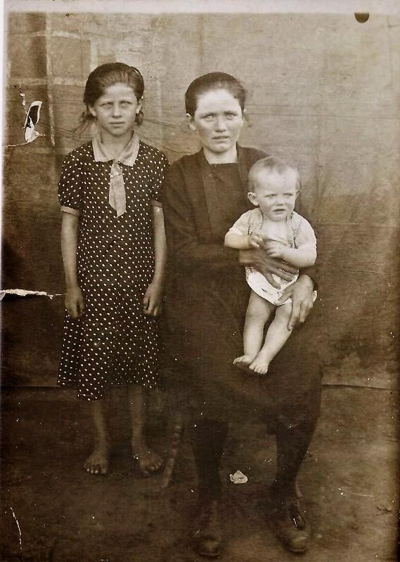 Диль Сусанна-Елизавета с дочерьми
