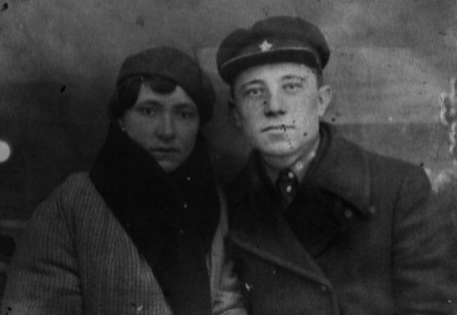 Паша (Пелагея) из семьи Харченко, проживавших в Лихачевке с мужем Григорием
