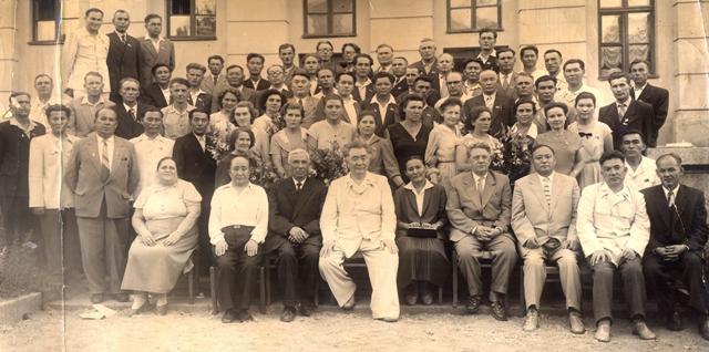 Съезд учителей Казахстана. Визер Е.А. во втором ряду слева пятая