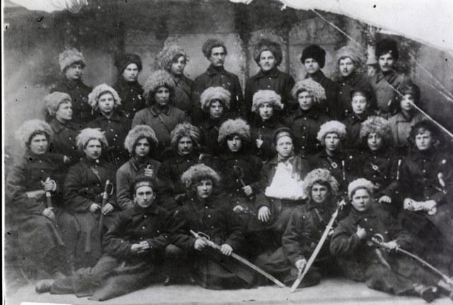 Василий Миххайлович Чекмарев с отрядом