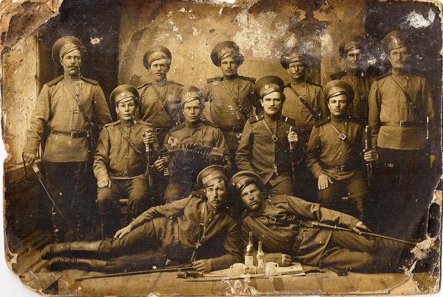 Фиронов Николай внизу слева