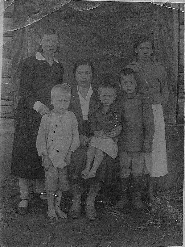 Саяпина Мария Ивановна с детьми