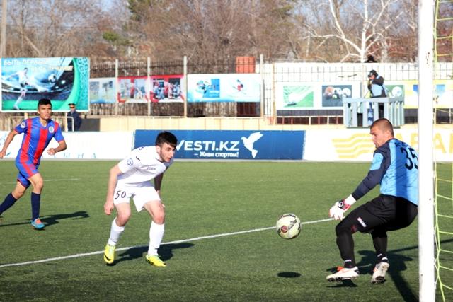 Эльмурзаев забивает ответный гол