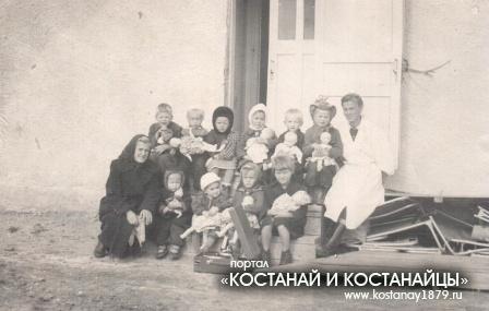 Боровское. Садик. Александра Степановна на работе