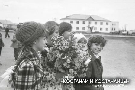 Озерное. Октябрь 1979 года. Открытие памятника Ленину