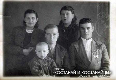 Ткачев Даниил Степанович. Родился в Семиозерном в 1919 году