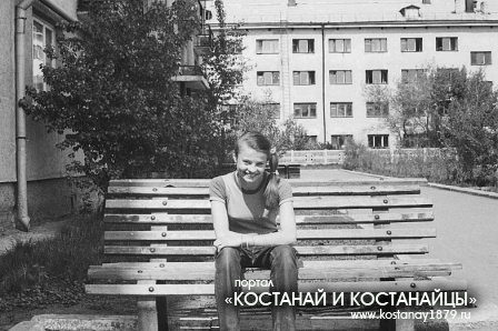 Помню юность, помню город, помню май...