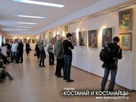 На выставке картин художника Г.Сокова