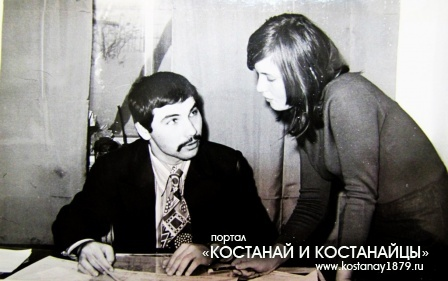 Директор РДК В.В.Тарасов и администратор Н.Севрюкова