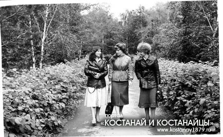 Ирина Ситникова,  Надежда Алехова, Татьяна Перелыгина (слева направо)