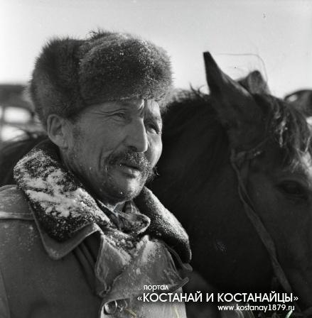 Мастер животноводства I-класса, скотник Мунысбек Мадиев. Февраль 1973 года