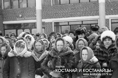 Открытие памятника Павлову в Борисо-Романовке. 1983 год