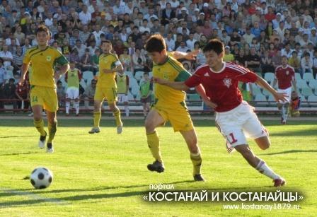 Ермек Куантаев борется с Тимуром Досмагамбетовым